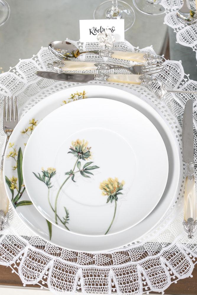prato matisse louça detalhe floral amarelo