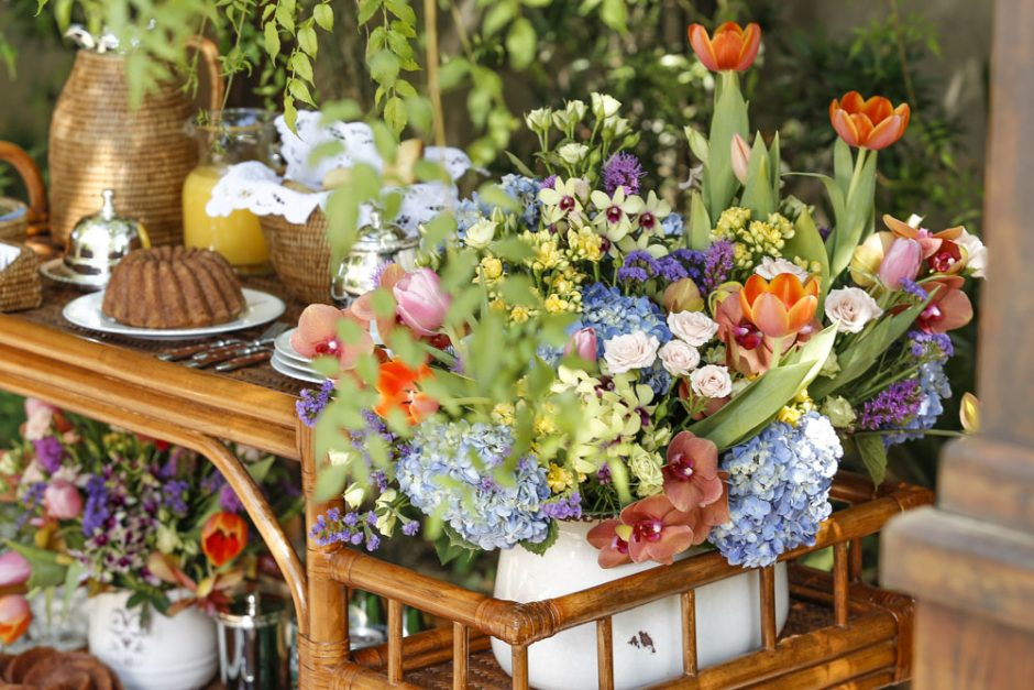 arranjos florais coloridos
