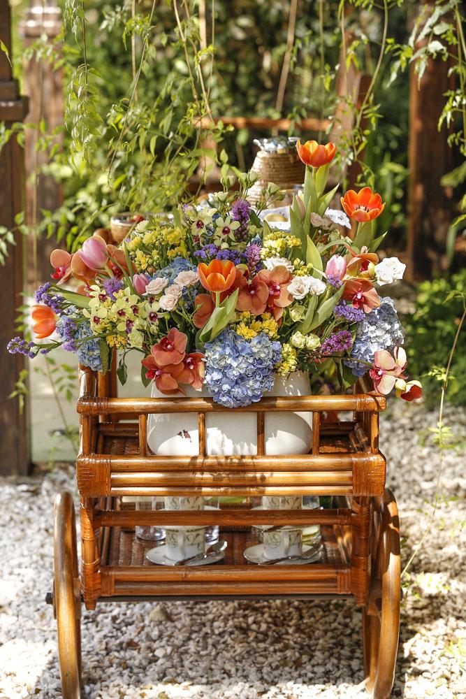 arranjo de flores coloridas Milplantas