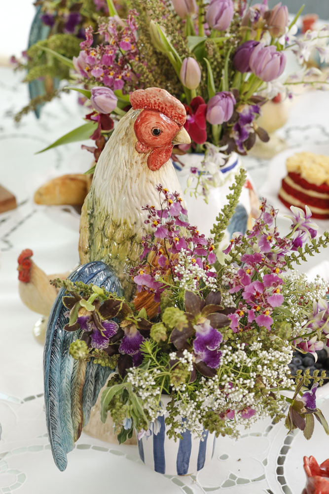 arranjos de flores em galos com cachepots
