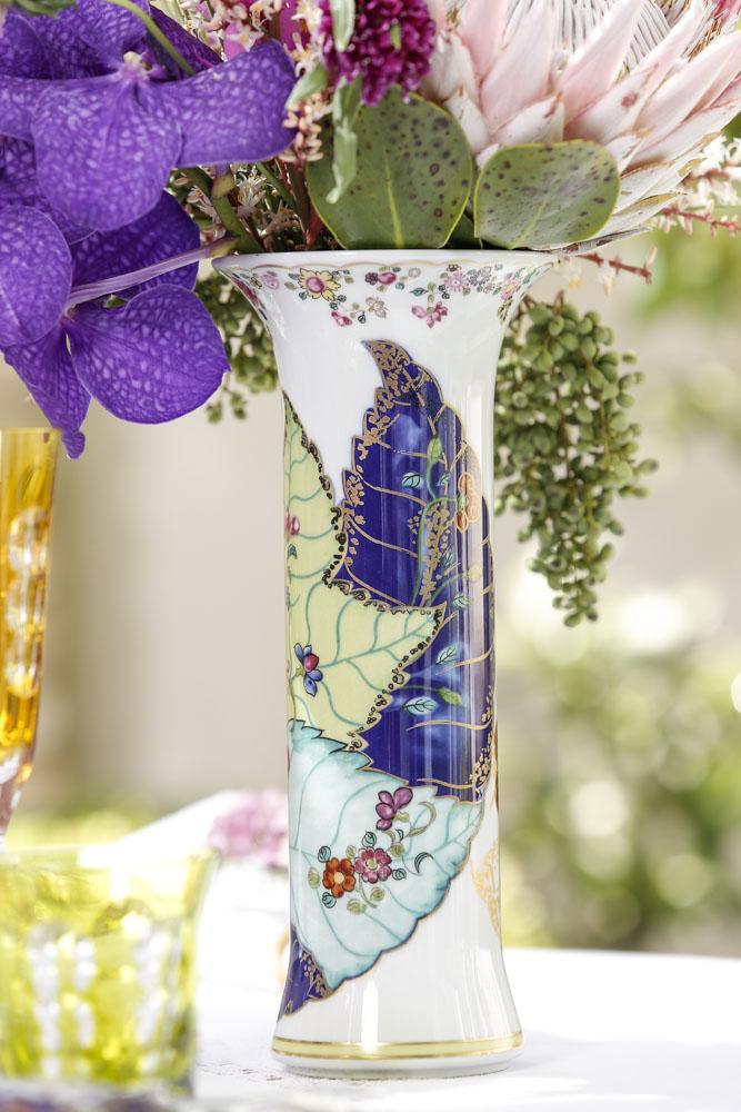 detalhes do vaso Vista Alegre