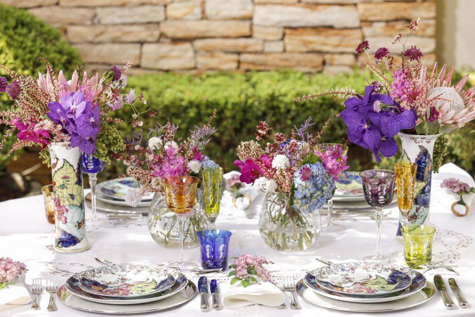 mesa colorida e alegre