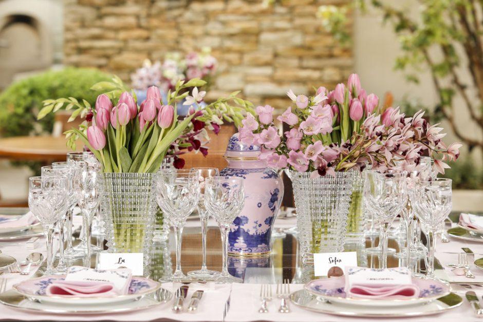 decor de mesa em tons de rosa e azul
