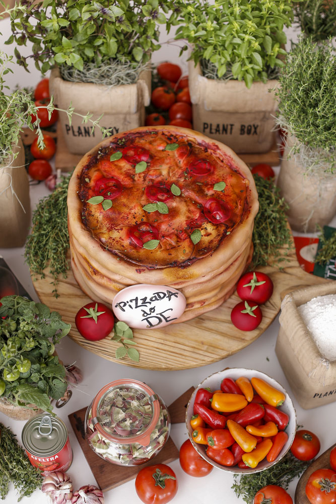 bolo em formato de pizza por Gustavo Henrique