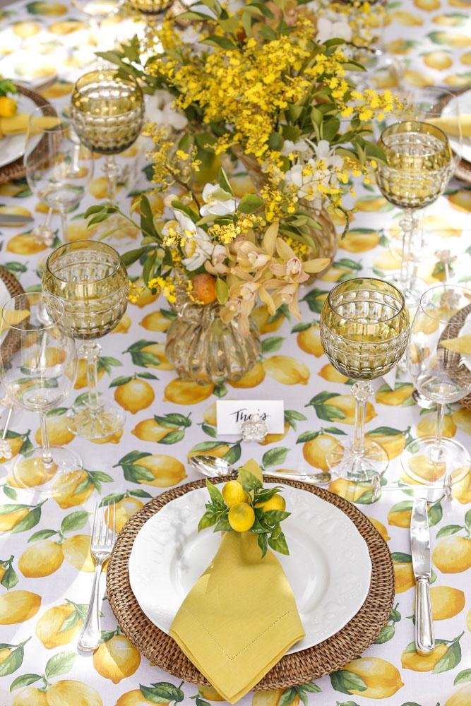decoracao de mesa com tolha de limões-sicilianos