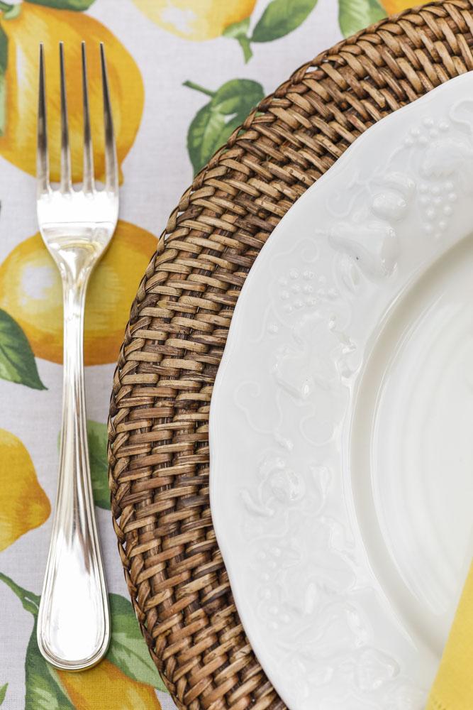 mesa com toalha estampada valencien