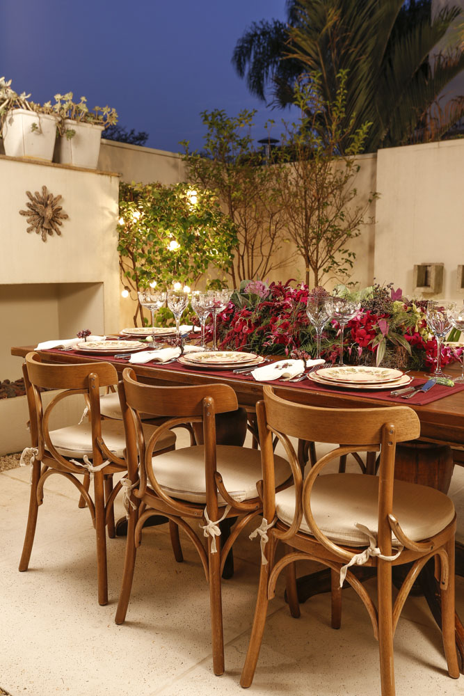 mesa de jantar em área externa