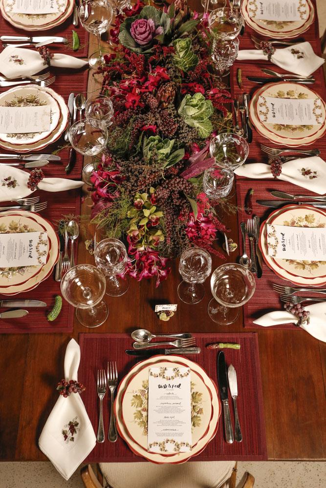 mesa de jantar para receber amigos queridos