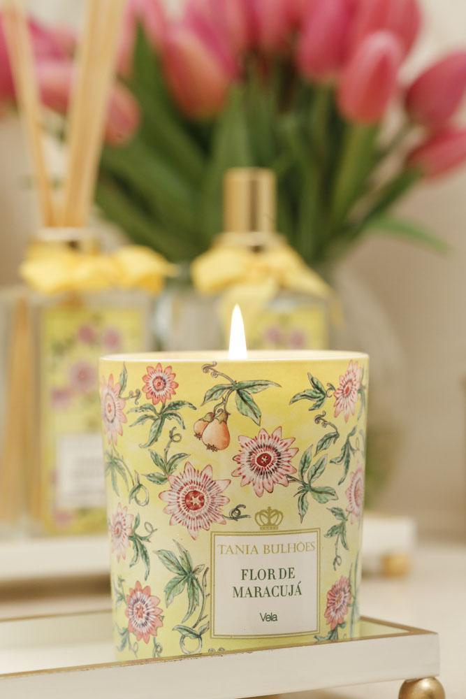 vela decorativa e perfumada Tania Bulhoes