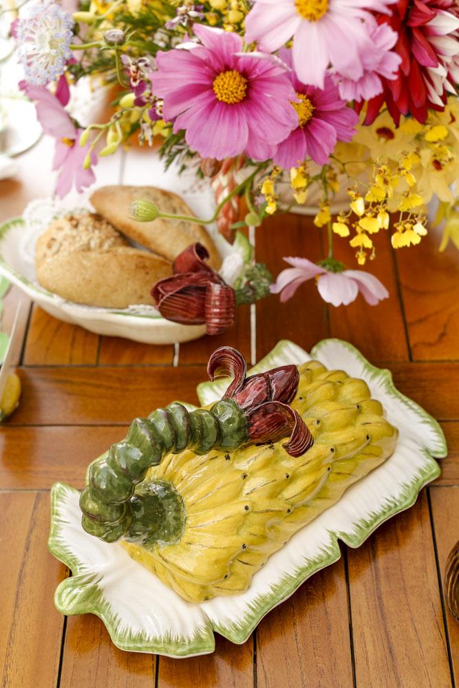 manteigueira bananeira vestindo a mesa