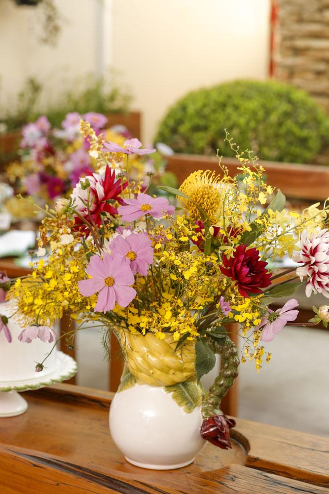 tons de rosa e amarelo flores
