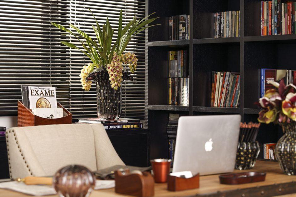 escritorio masculino pela arquiteta Caroline Gabriades
