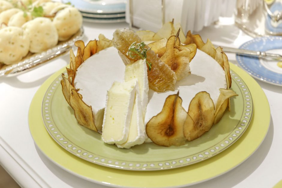 queijo brie com pera buffet zest