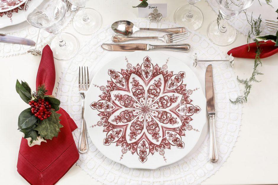 mesa de natal vinho e branco