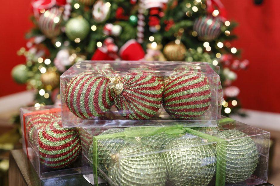 bolas coloridas para arvore de natal
