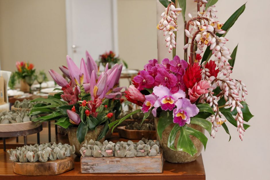 decoracao de festa com flores