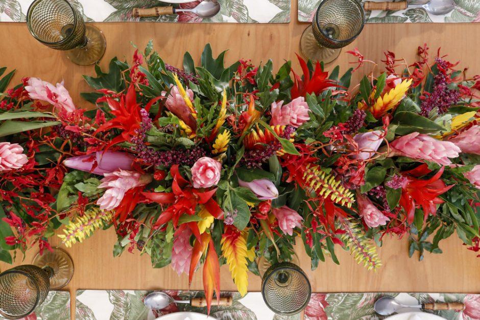 arranjo de mesa tropical