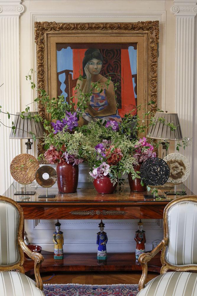 sala decorada com flores