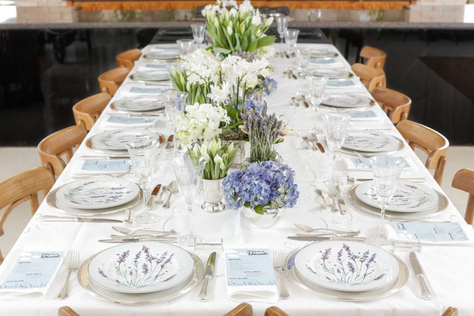 mesa posta delicada