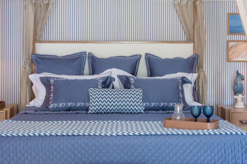 roupa de cama azul