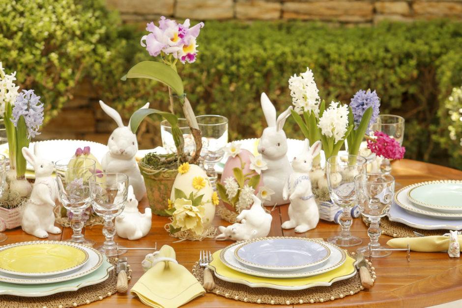 mesa posta para a Páscoa