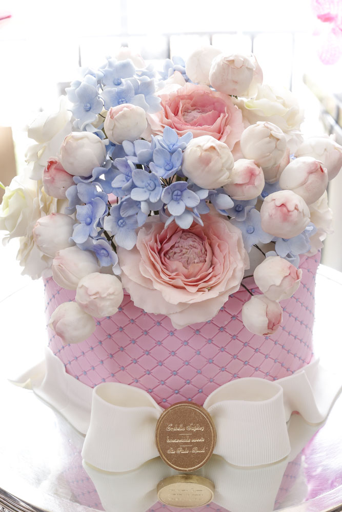 bolo confeitado isabella suplicy cm flores de açúcar