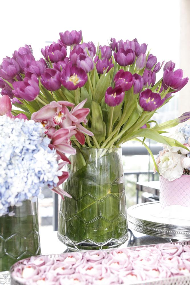 arranjo de tulipas rosas