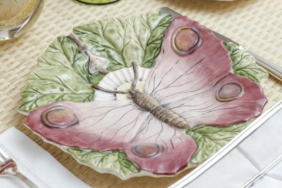 louça borboleta delicada em tom de rosa