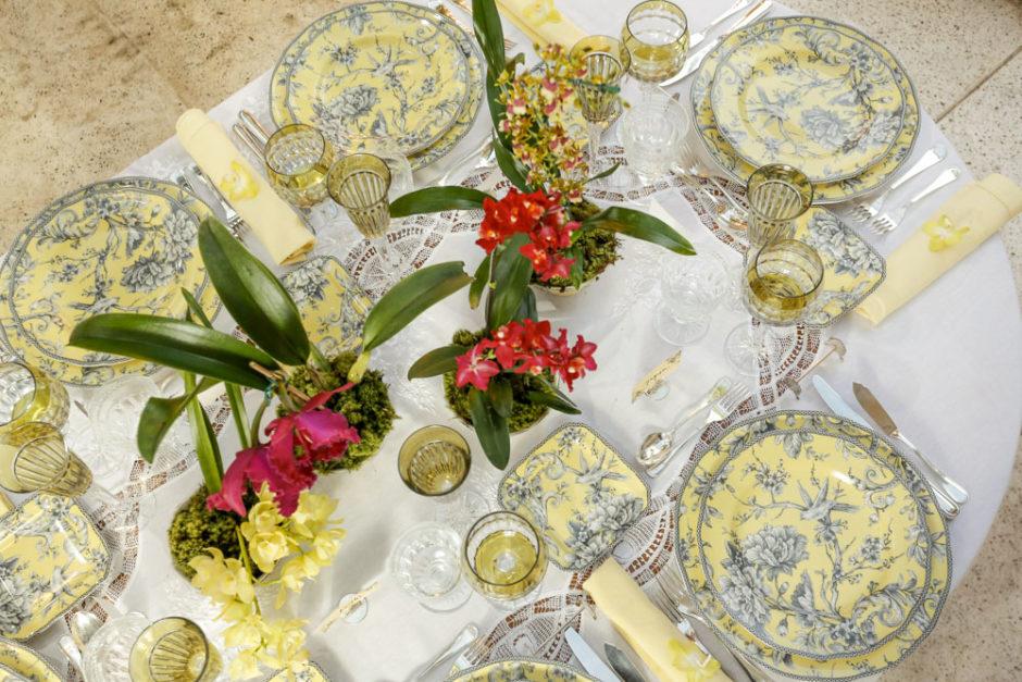 mesa posta de jantar Coleção Petrópolis Tania Bulhões