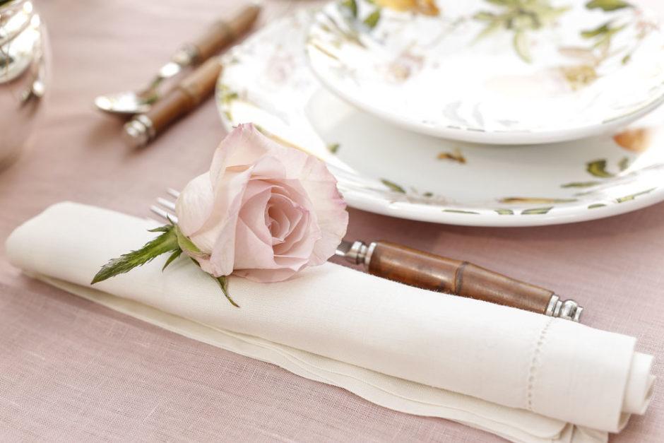 guardanapo de linho Couvert com rosa