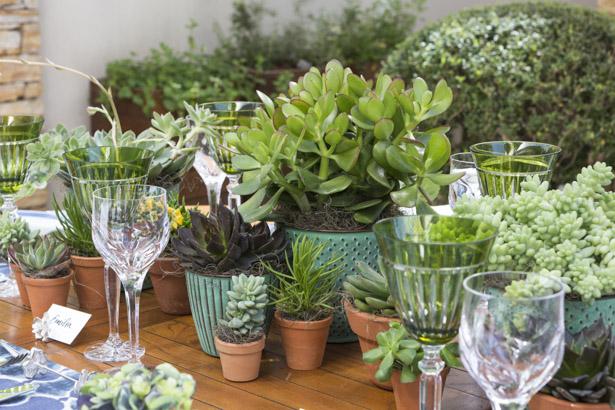 mesa de almoço verde e azul