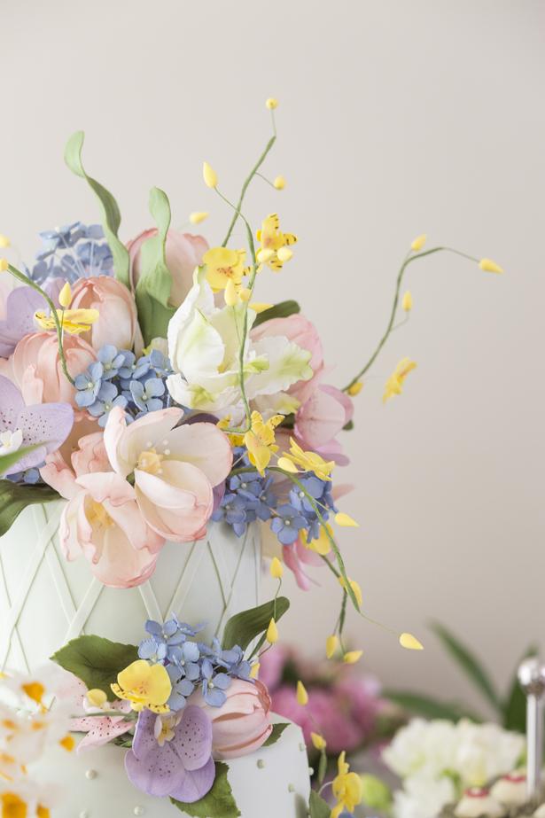 bolo decorado com flores Isabella Suplicy