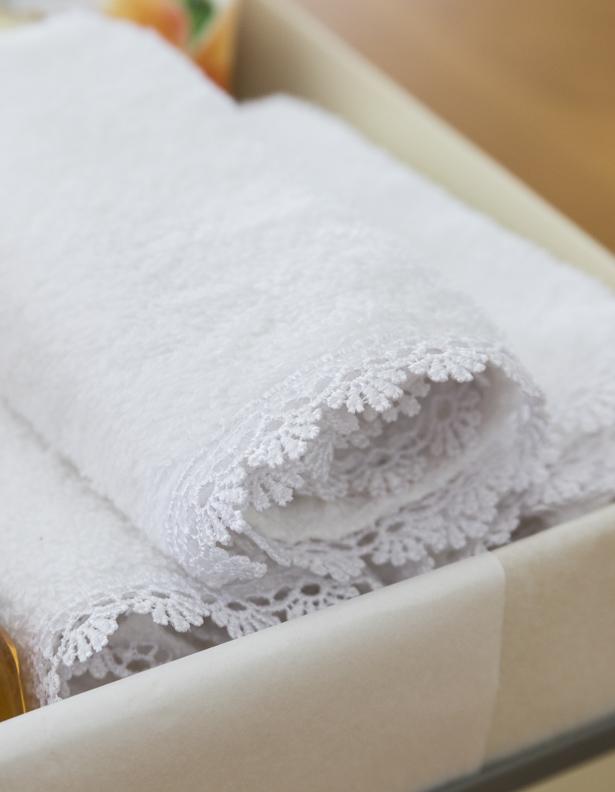 toalhas de mão bordadas