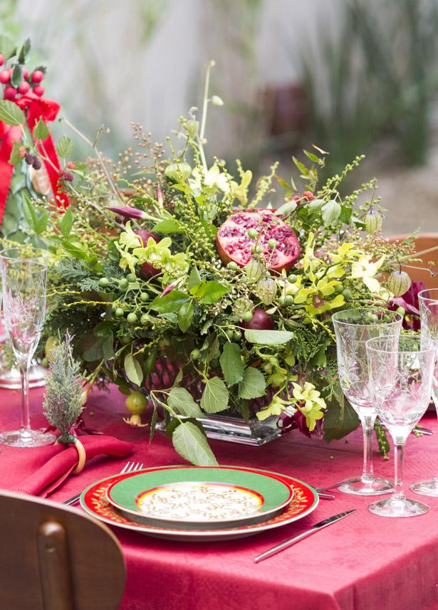 arranjos florais para o natal com flores e frutas