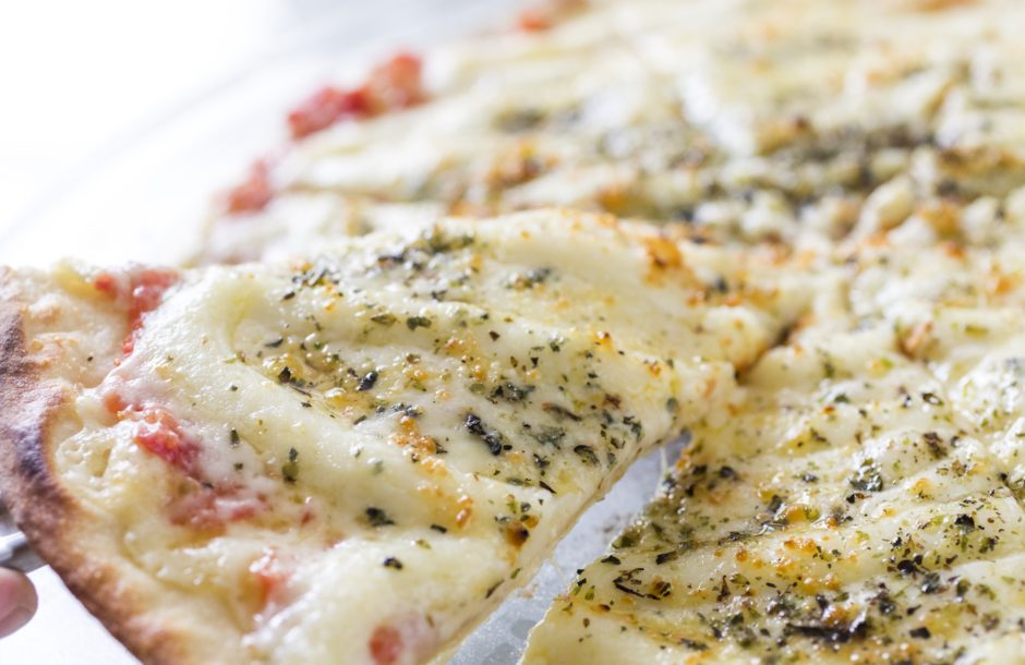 Pizza quatro queijos Buffet Felíssimo