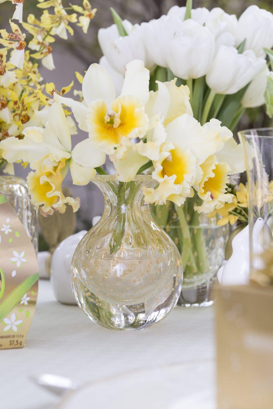 vasos transparentes cá d'oro com flores