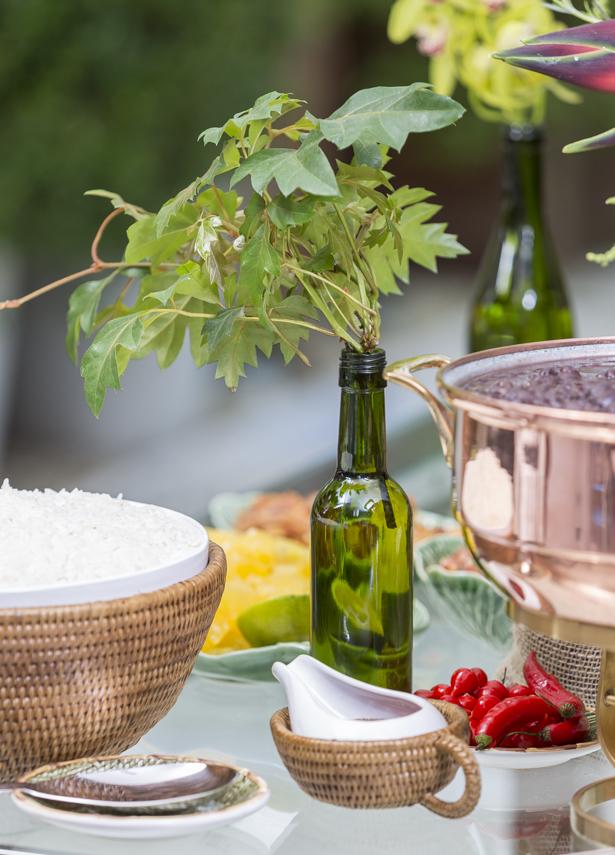 arranjos em garrafas de vinho