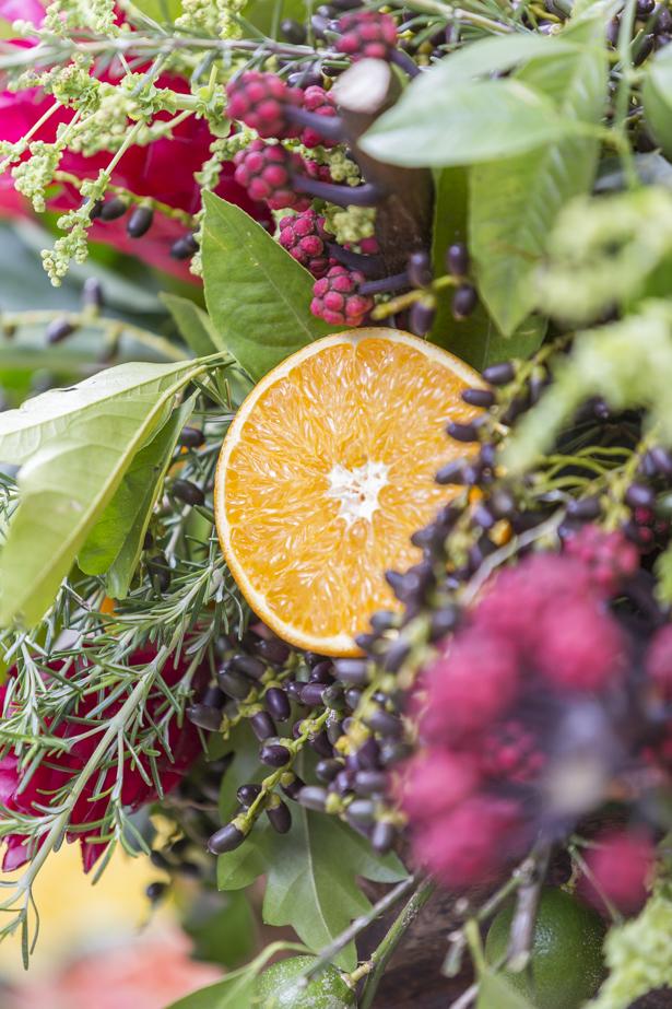 aarranjo floral com frutas