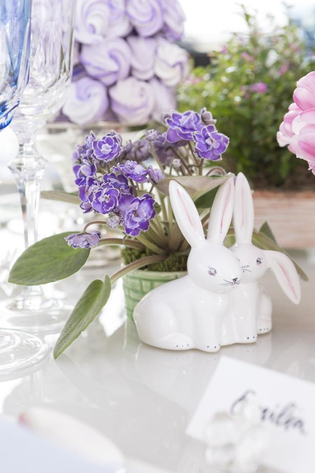 cachepot de coelho Couvert com flores para a Páscoa