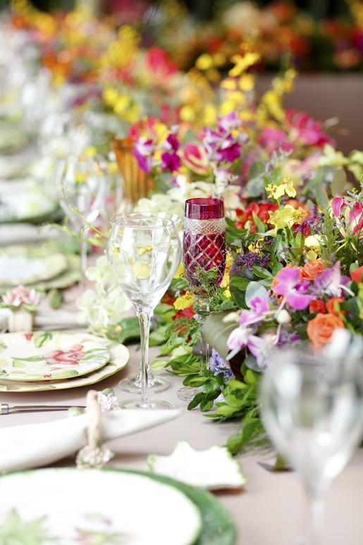 taças de cristal vinho vestindo a mesa