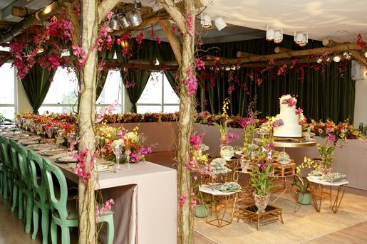 decoração com inspiração em festa colorida de casamento