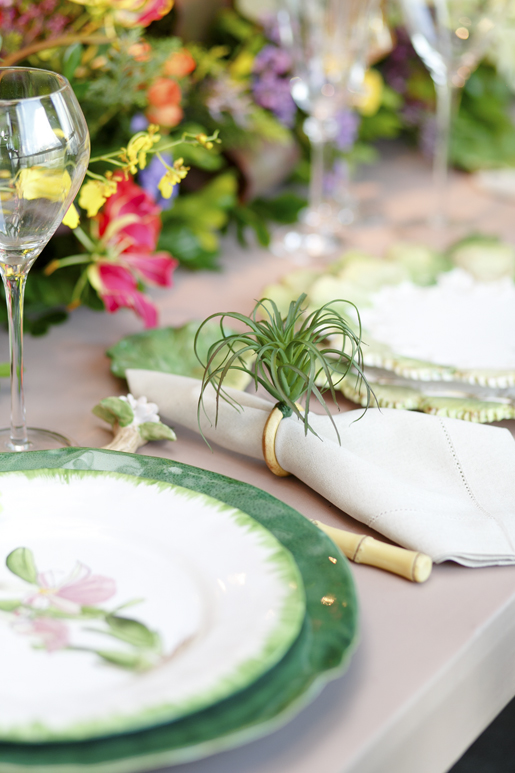 porta-guardanapo bromélias vestindo a mesa