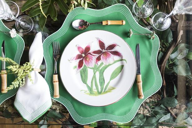 orquídea fúcsia para mesa posta